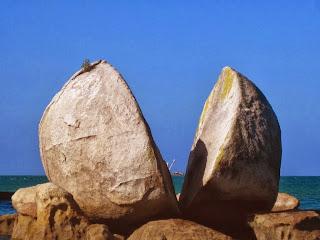 Split Apple Rock, Misteri Batu Yang Terbelah
