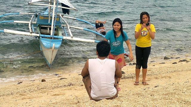 Picture Taking at Dalutan Island