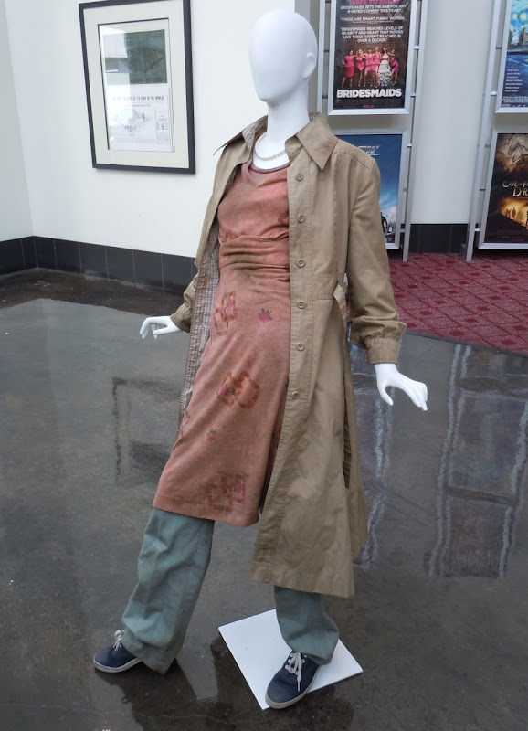 Elle Fanning Super 8 Alice movie costume