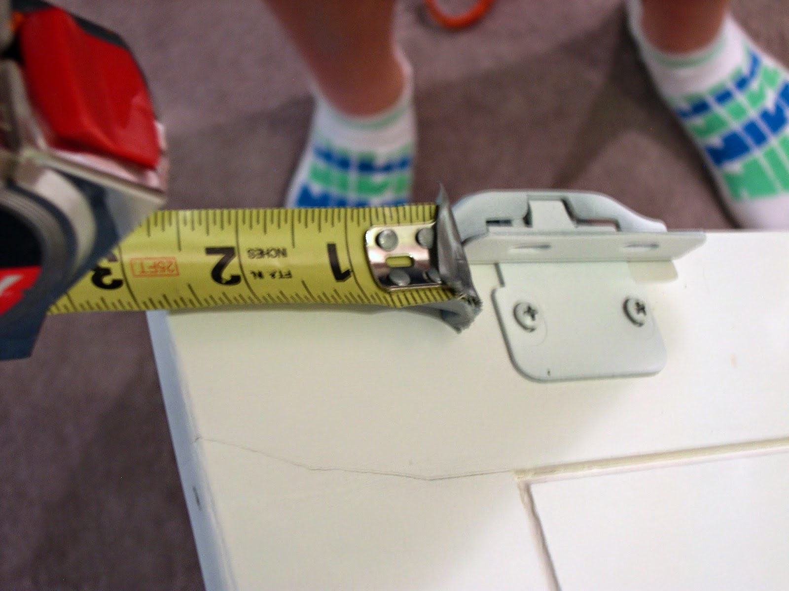 How to measure cabinet doors - For Those Of You Using Plywood Or Who Feel Better When You Measure Things I Didn T Take The Hinges Off The Top Doors The Top Hinges Came Installed 3 In