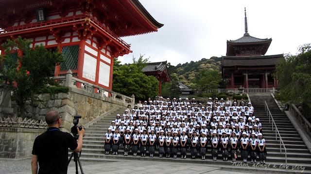 Schoolkids at Kiyomizu-dera