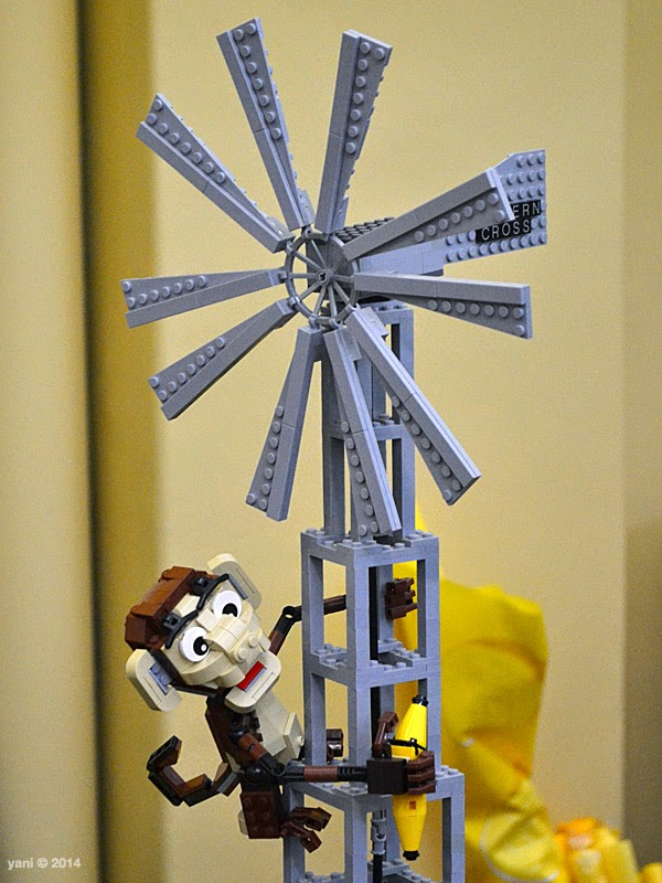 bricktopia - monkey windmill
