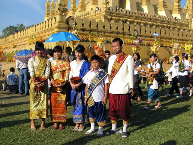 Du lịch Lào 4 ngày khởi hành từ Hà Nội- tham gia lễ hội Thạt Luổng