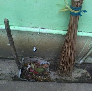 Alat Pembersih Sampah