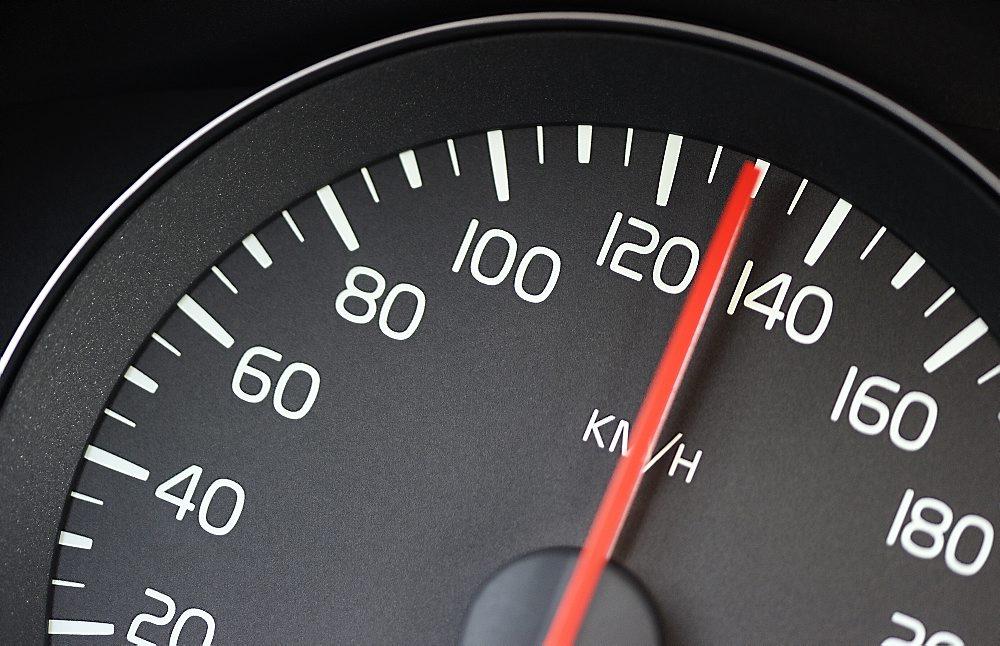 Posible subida de velocidad a 130 km/h en Autopistas