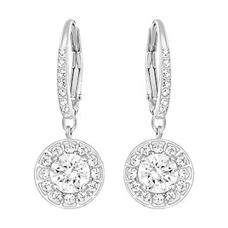 http://www.swarovski.com/Web_FR/fr/5142721/product/Attract_Light_Boucles_d'Oreilles.html