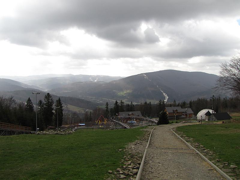 Beskid Śląski ze stoku Równicy (z prawej widać Wielką Czantoria).