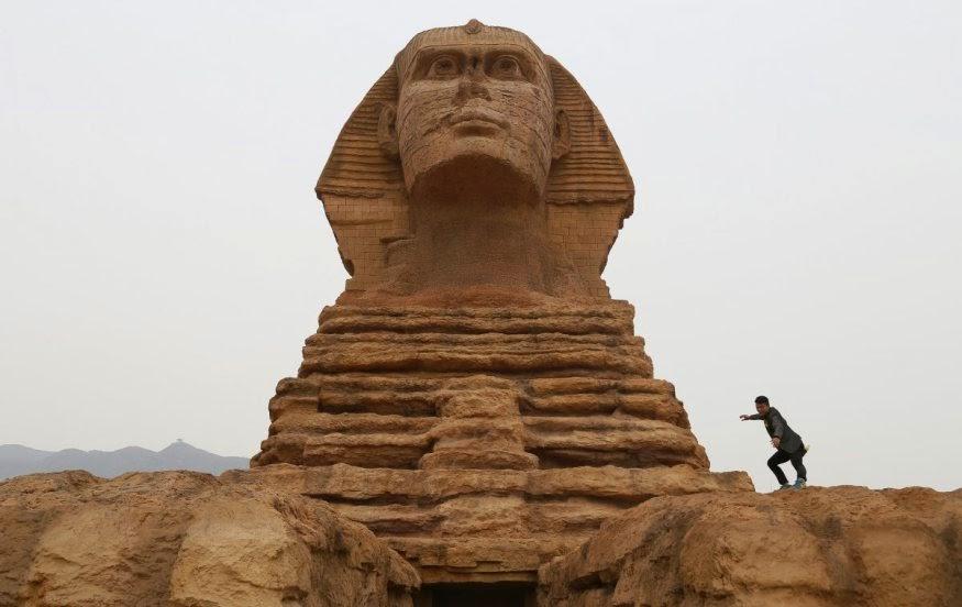 Replika Sphinx Dari Mesir