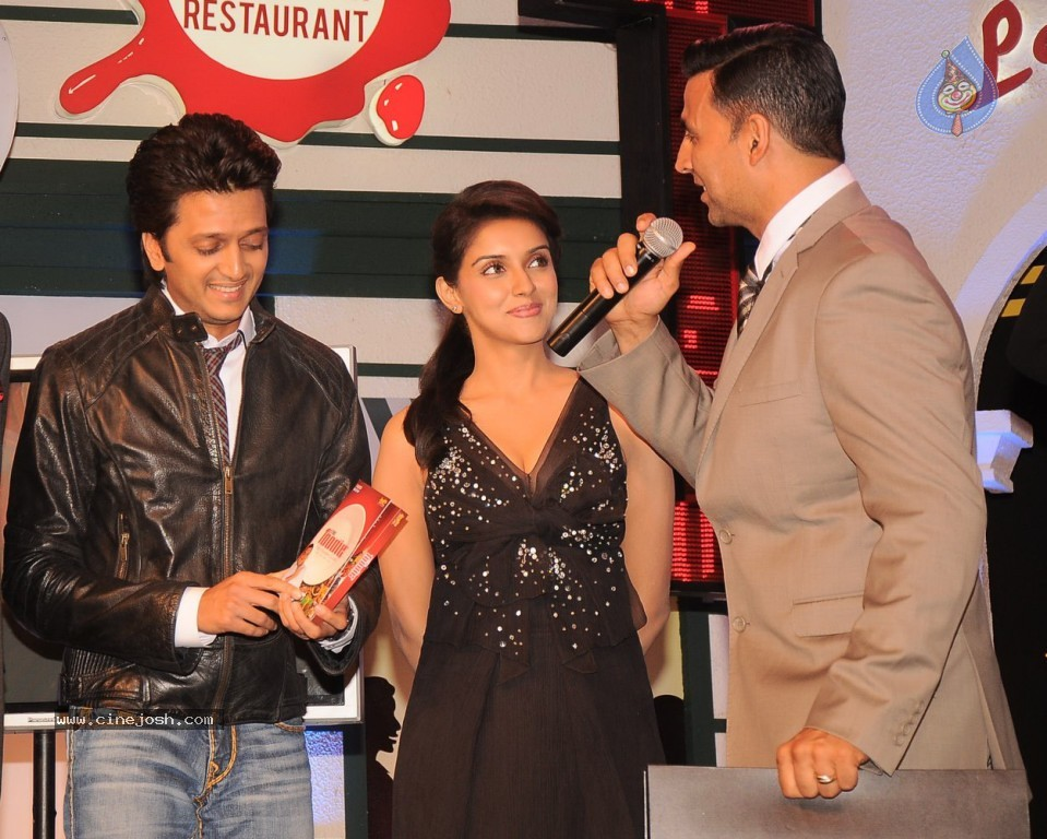 , Housefull 2 Babes At Times Now Foodie Awards