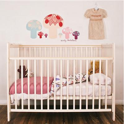 Decoracion de paredes para el dormitorio de los ni os con for Pegatinas para dormitorios