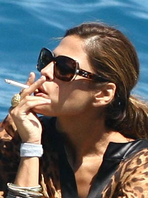 Eva Mendes smoking cigarettes