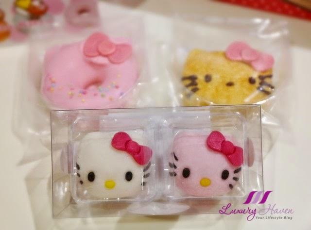 tokyo keio department store hello kitty desserts