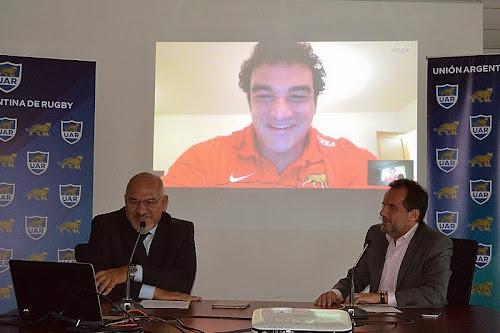 Agustín Creevy firmó contrato con la UAR