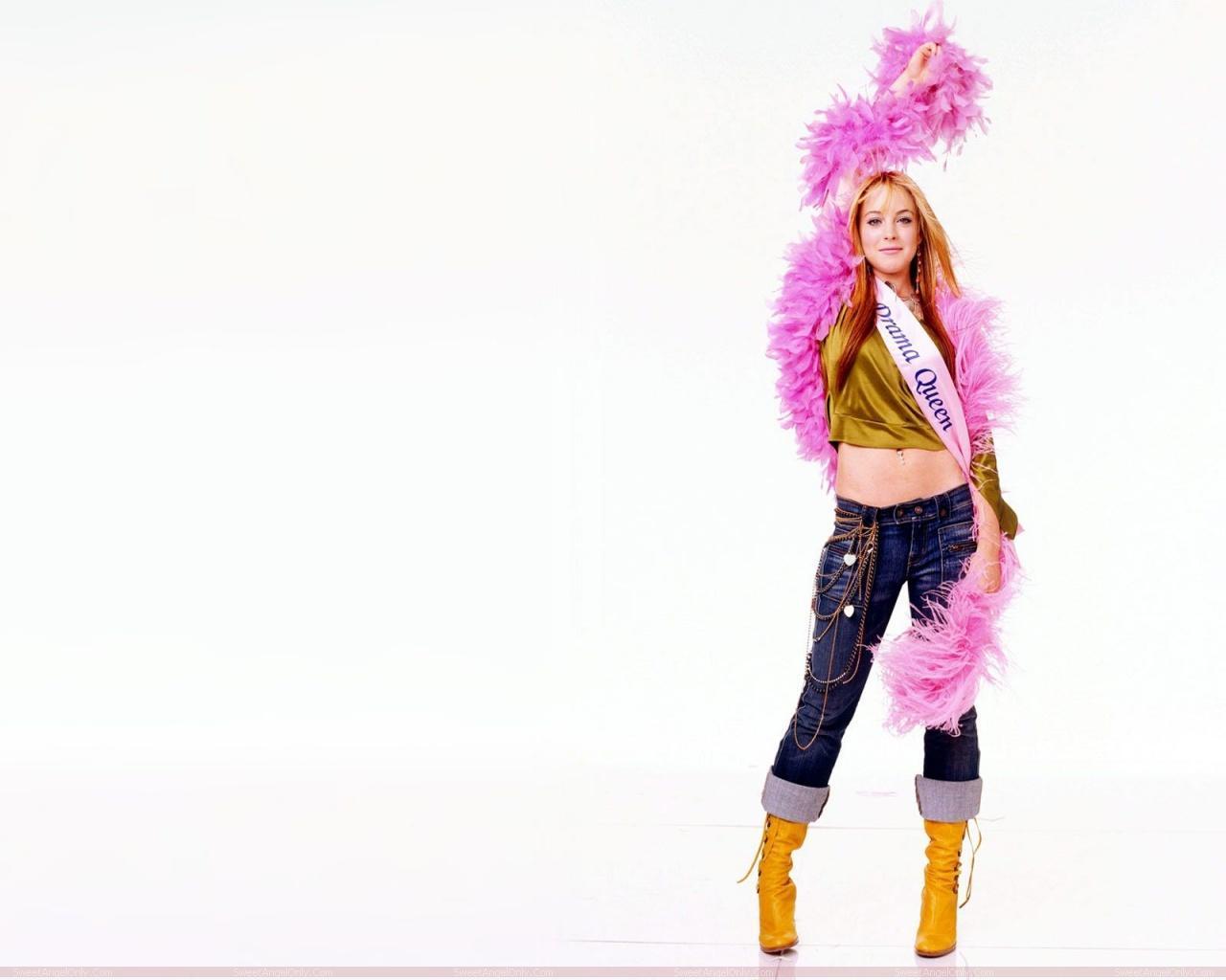 http://3.bp.blogspot.com/-oJcvC3bU0n0/TYcCiaNkUkI/AAAAAAAAFwM/Xs-OiVHrNu4/s1600/lindsay_lohan_hollywood_hot_actress_wallpaper_sweetangelonly_31.jpg