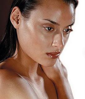 safflower oil - moisturizes skin