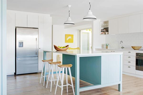 Charmant Coastal Kitchen