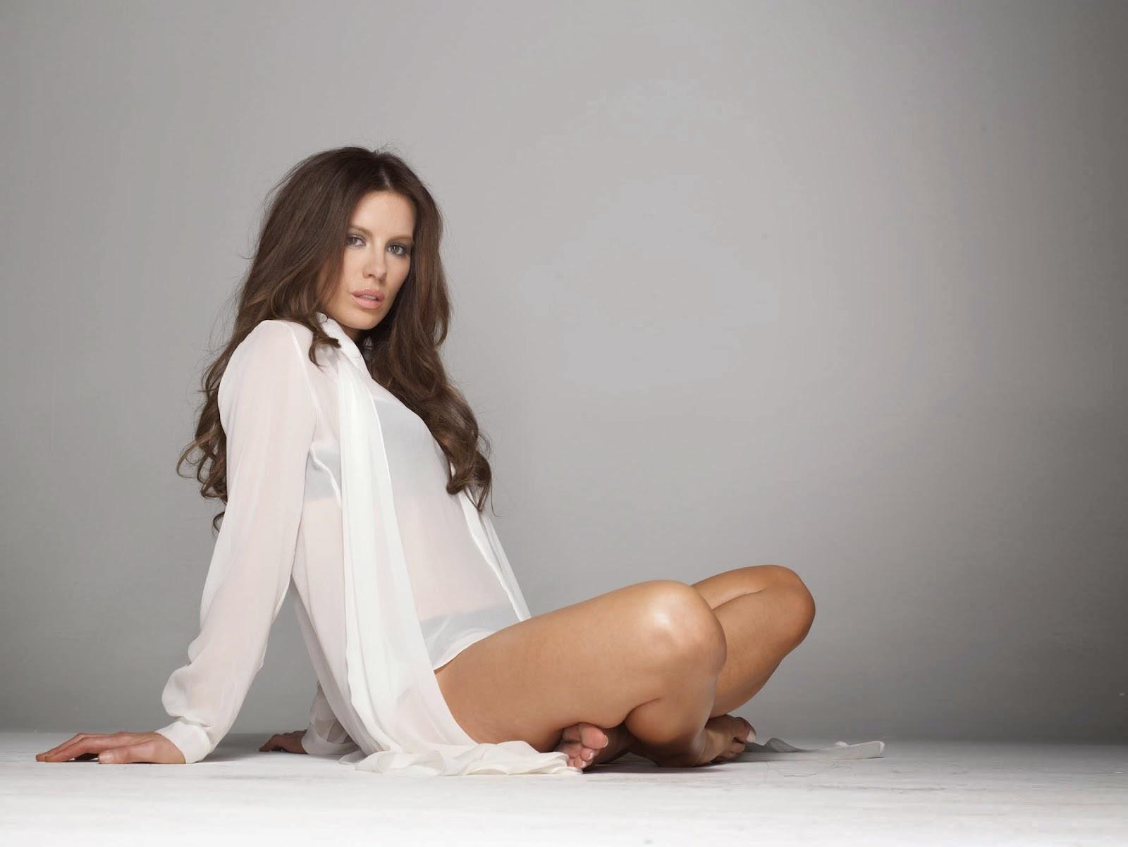 صور متنوعة للممثلة الانكليزية الجميلة كيت بيكنسيل