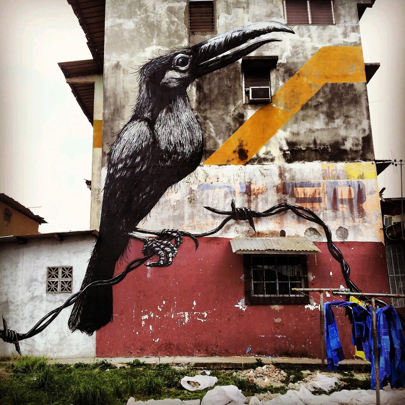 Roa new murals in panama city panama streetartnews for Mural street art
