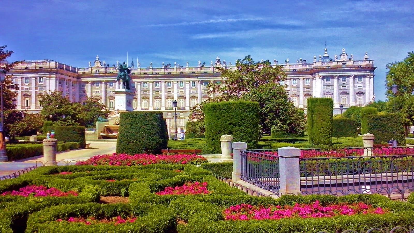 Los viajes de domi los 12 monumentos m s importantes de - Tarimas del mundo madrid ...