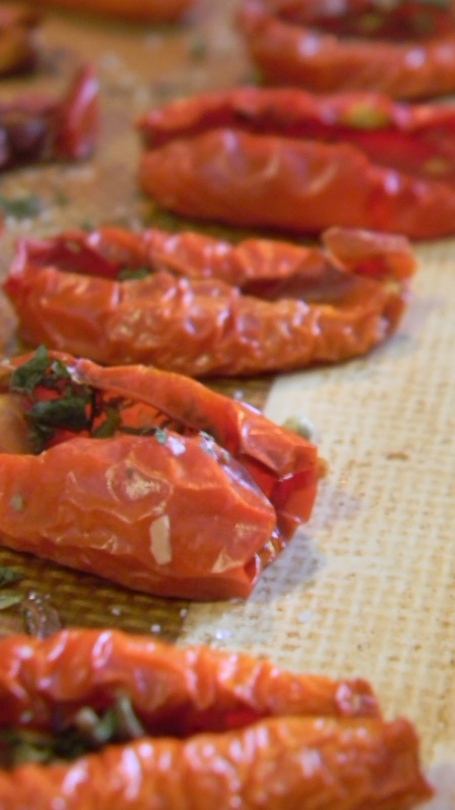 Oven dried roasted tomatoes for Dry roasted tomatoes