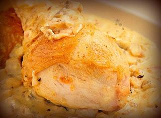 Pollo al horno crocante con salsa