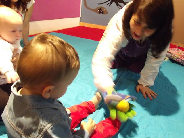 {el atelier de Chloe} - I Encuentro para acercar los bebés a los libros