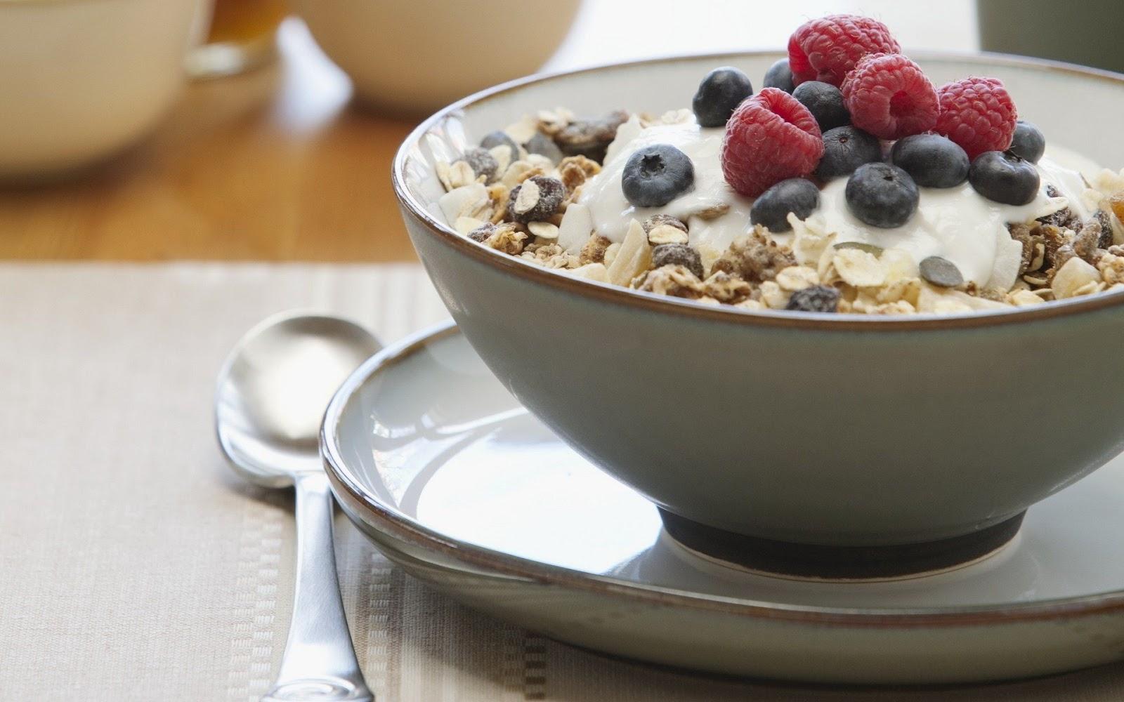 Cereals Raspberries and Bleuberries