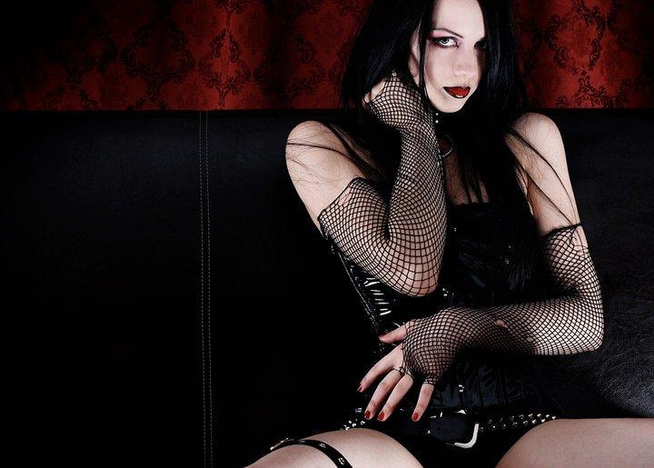 erotika-devushki-gotki