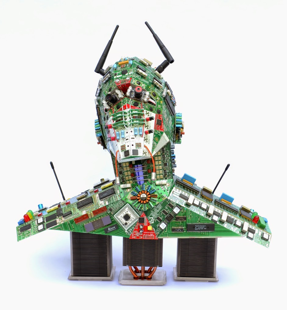 25-Robot-Steven-Rodrig-Upcycle-PCB-Sculptures-from-used-Electronics-www-designstack-co
