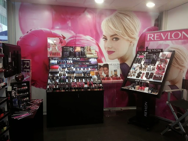 temporary store revlon 02