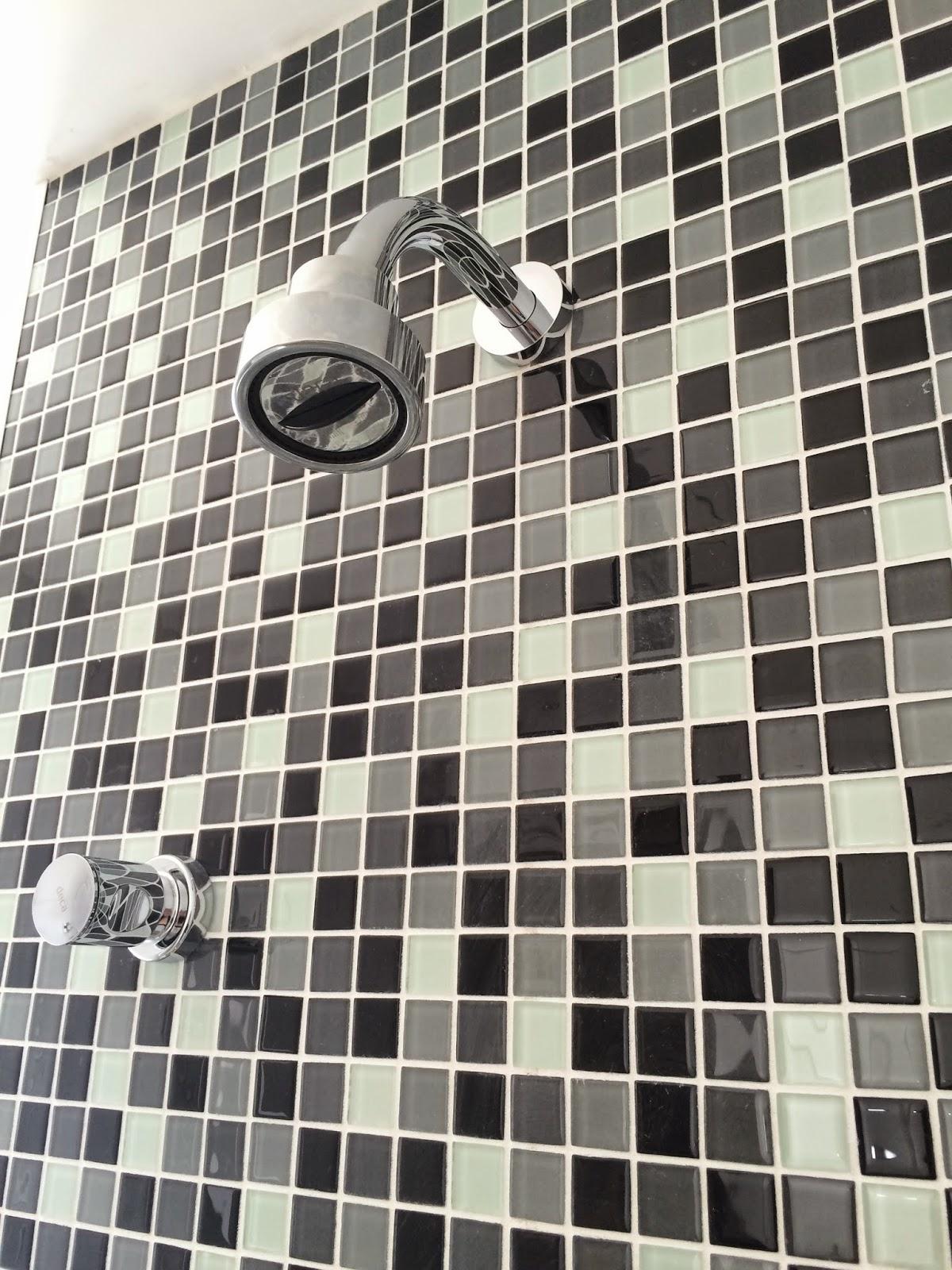 Apê 114: Duchas e Acessórios dos banheiros instalados! #787354 1200x1600 Acessorios Banheiro China