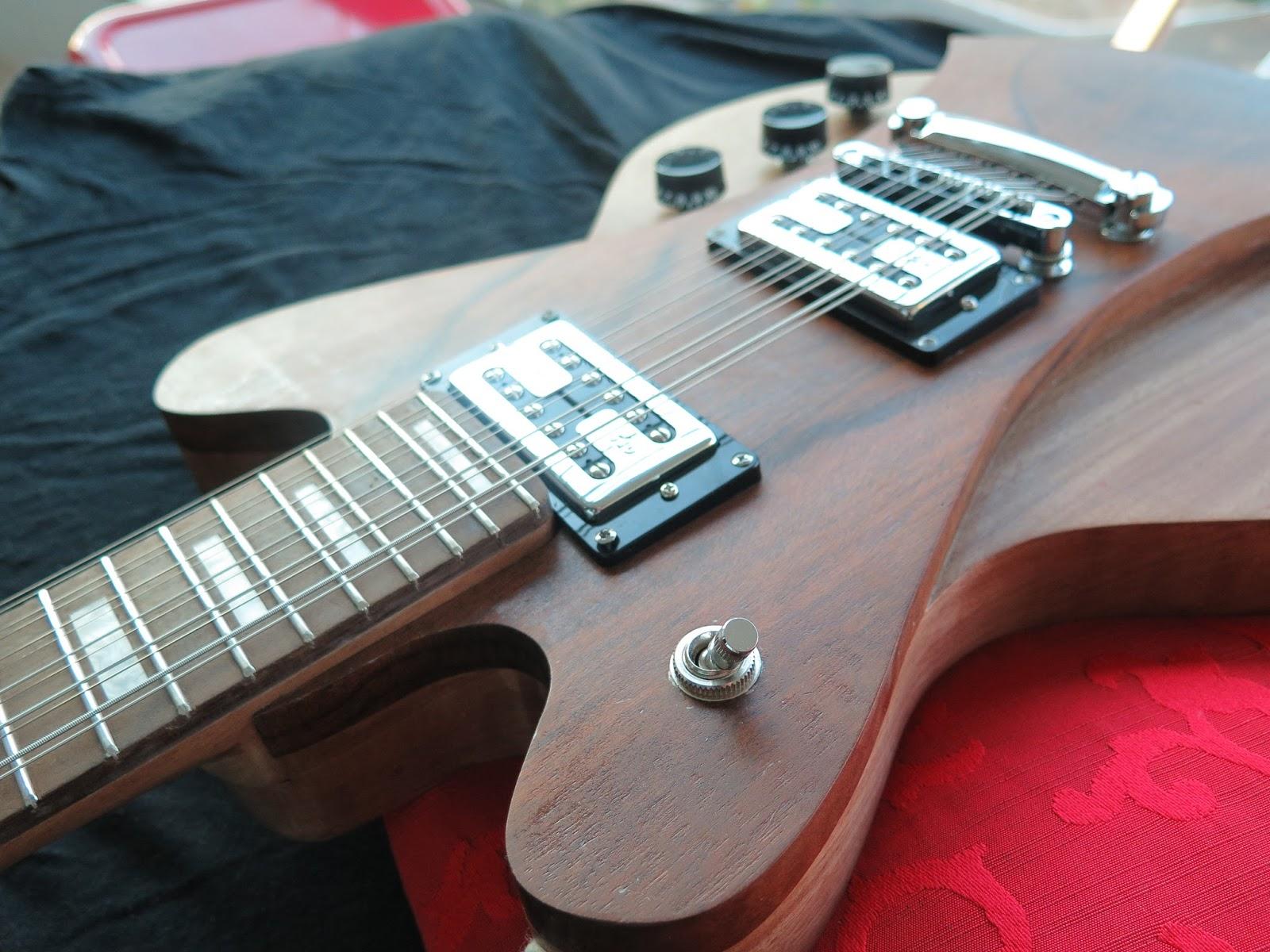 Aprendiz de luthier projetos conclu dos for Guitarras de luthier