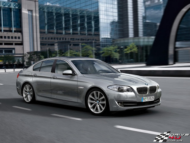 New picture of grey BMW 5