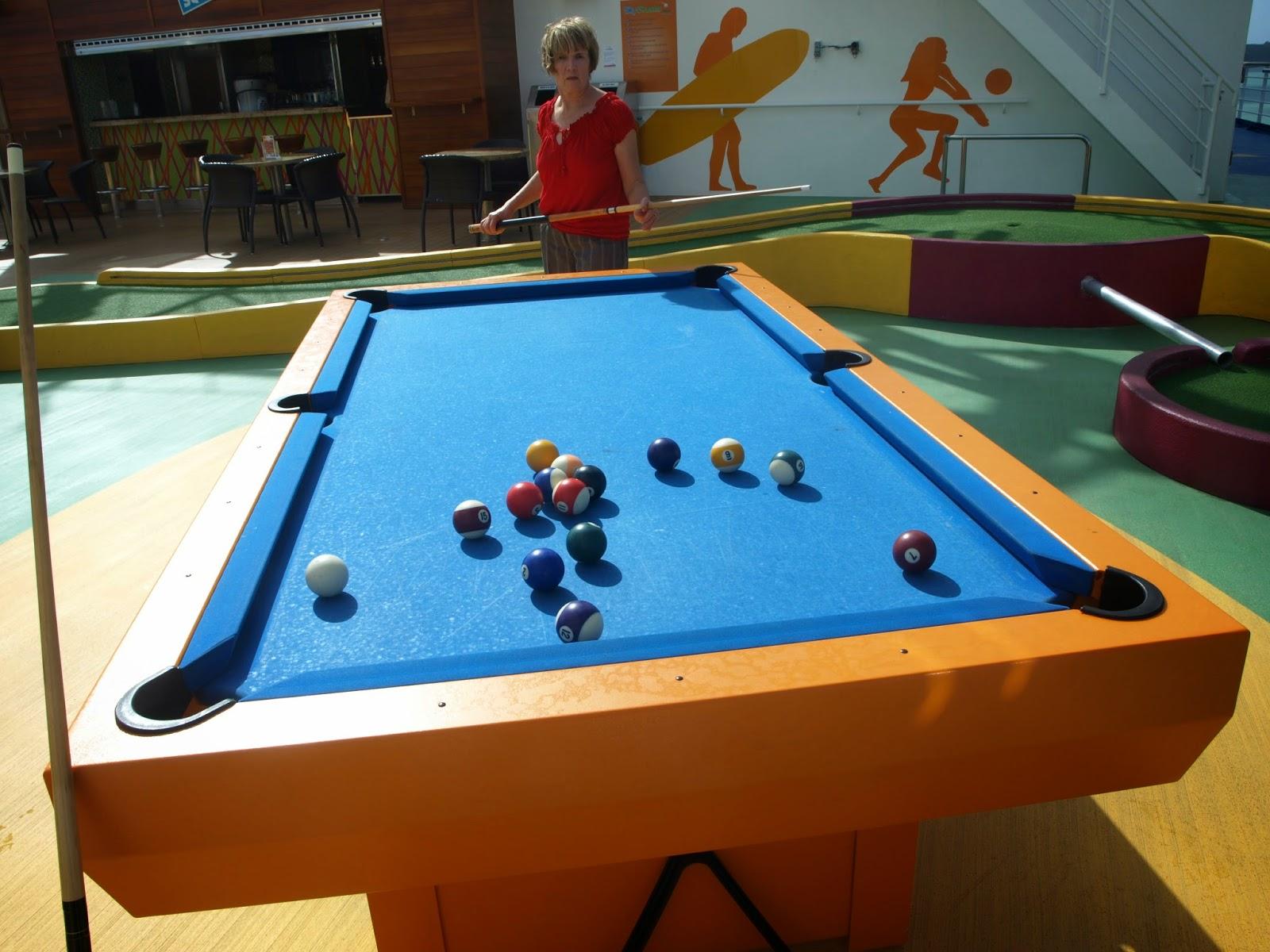 Mr Cruisers Notes Sunny Sunny Friday - Cruise ship pool table