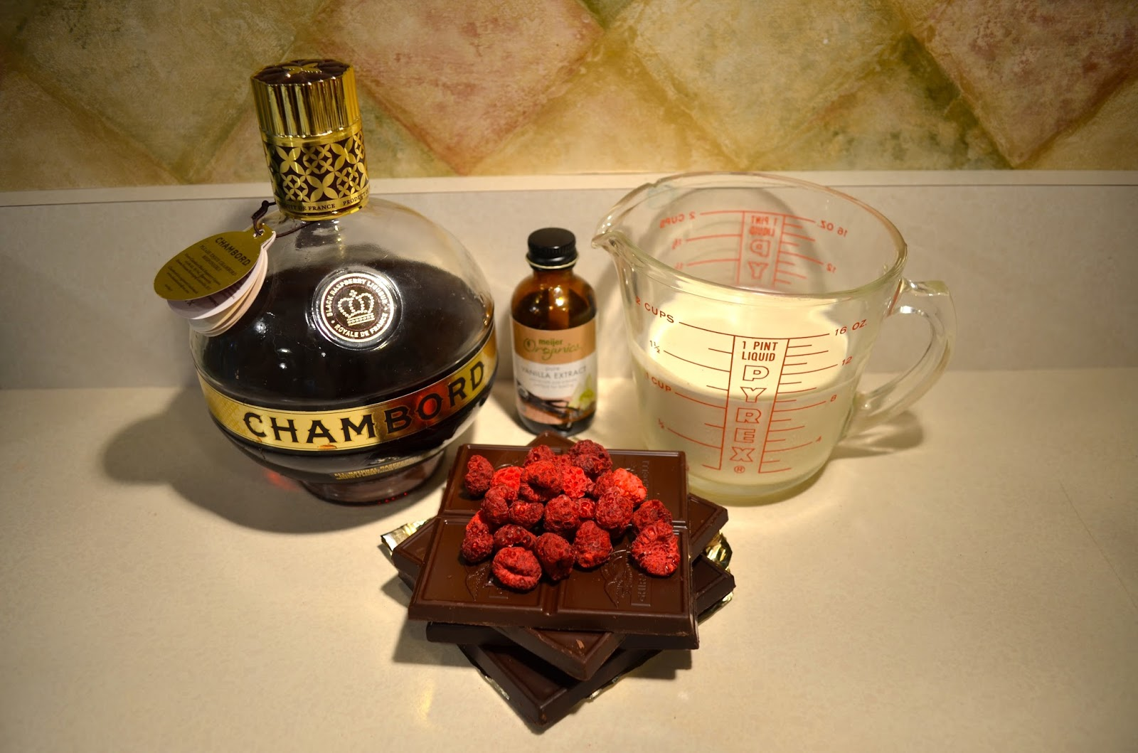 Dark Chocolate Raspberry Truffle ingredients