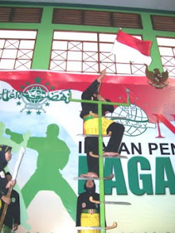 menaiki golok di kongres PN