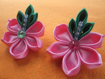 Bros Kain Bunga Lotus