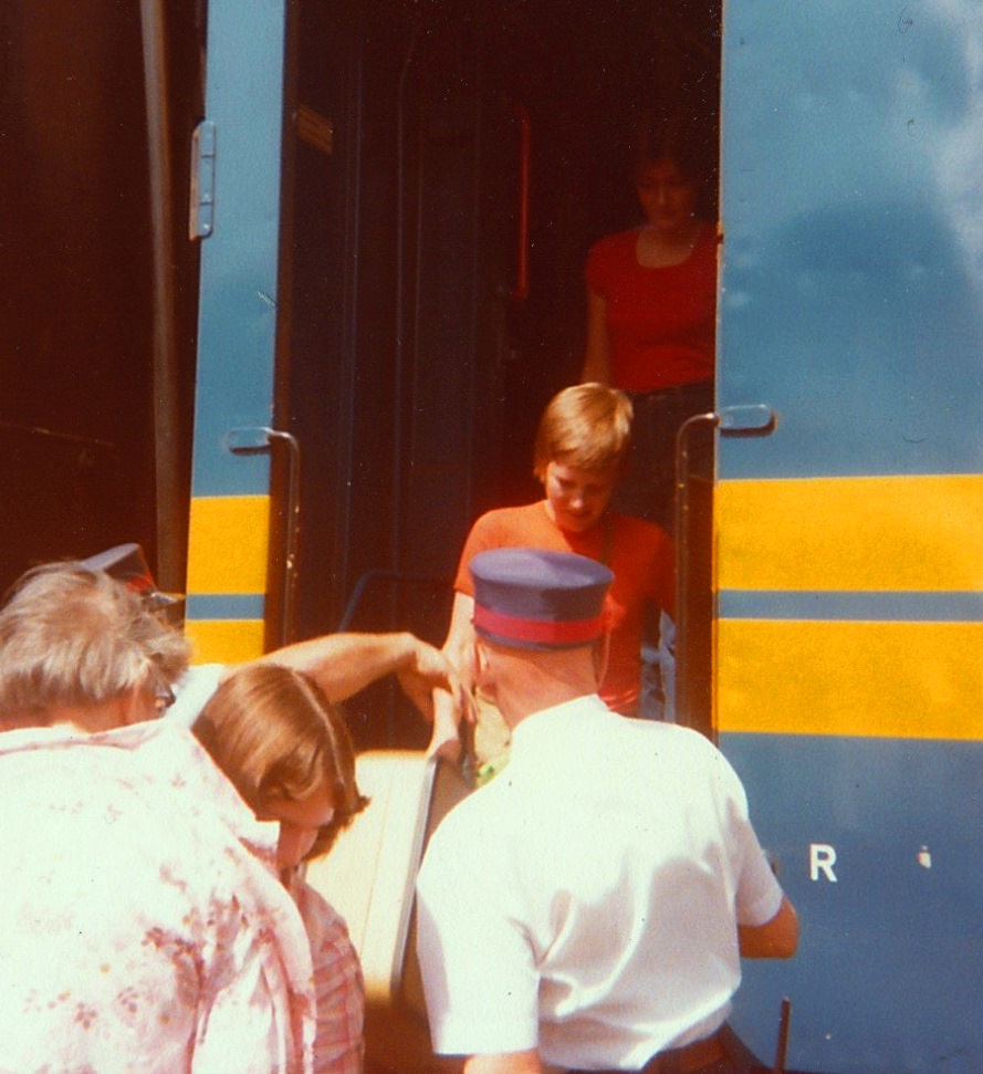 how to get from eugene to cincinatti via train