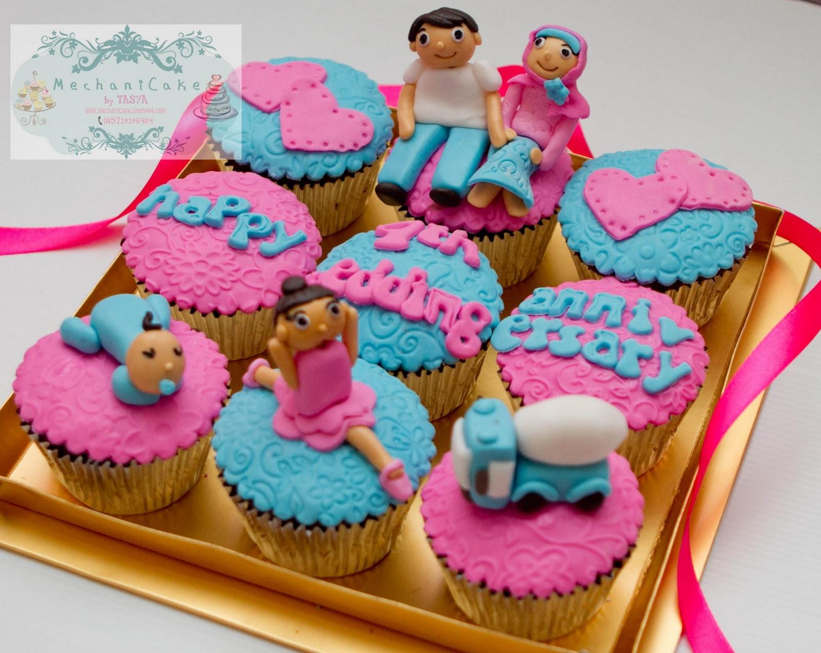 MechaniCake: 4th wedding anniversary cupcake