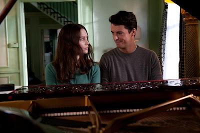 Matthew Goode and Mia Wasikowska in Stoker