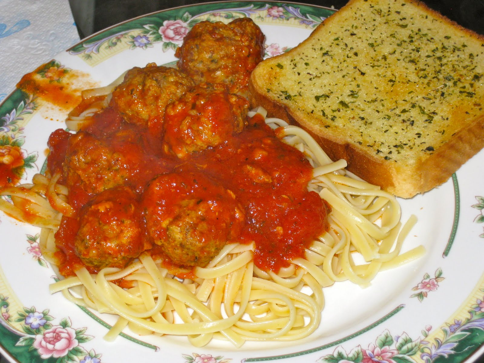 A Taste of the Best: Homemade Italian Meatballs