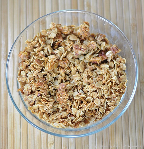 Maple Pecan Granola | Breakfast Foods