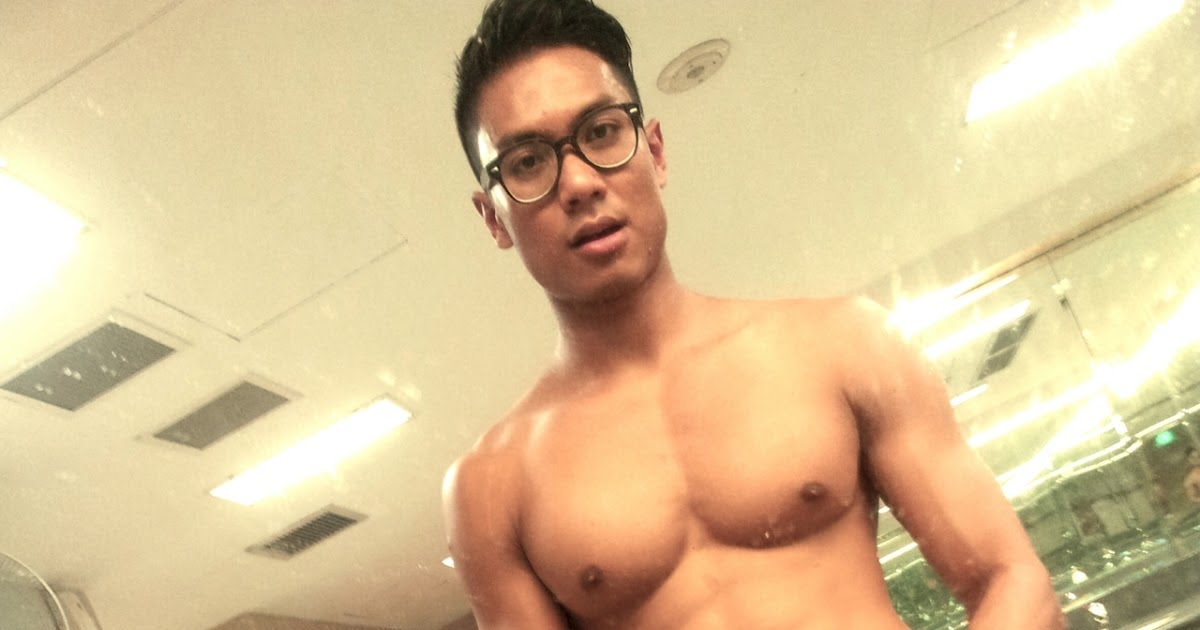 Welcome To The World Of Simon Lover!: Hunky Singaporean