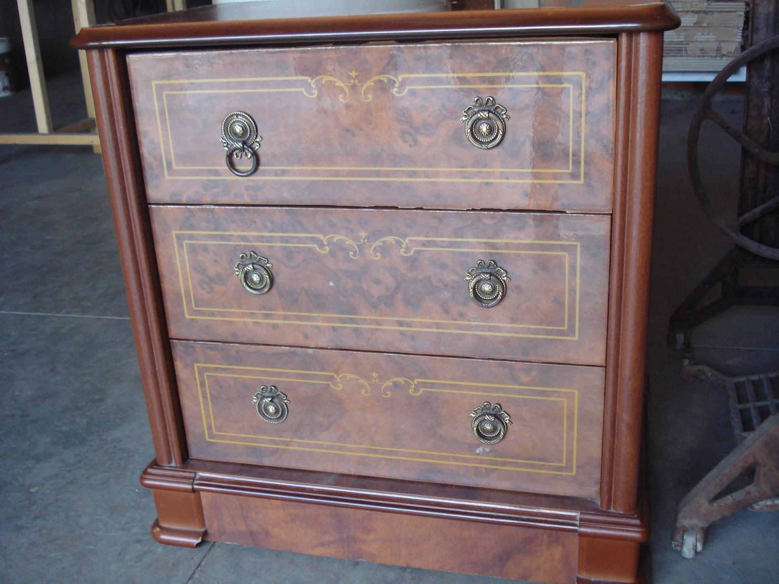 Bricolaje tunear muebles ikea transforma un mueble de ikea en un mueble para el lavabo with - Modificar muebles ikea ...