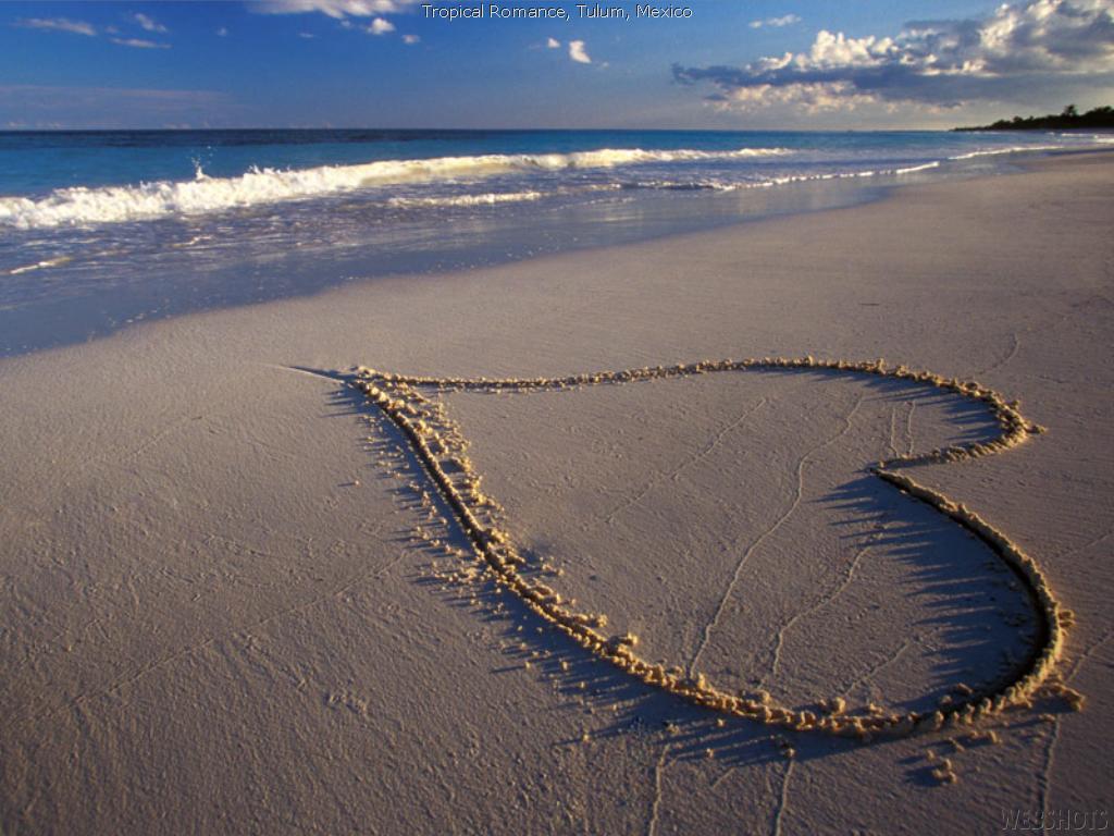 Cinta Di Pantai