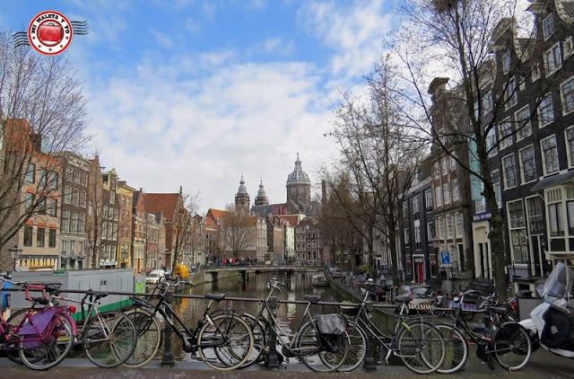 Amsterdam, canales y bicis
