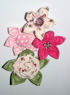 The shabby crafter easy peasy handmade fabric flowers for Easy handmade flowers