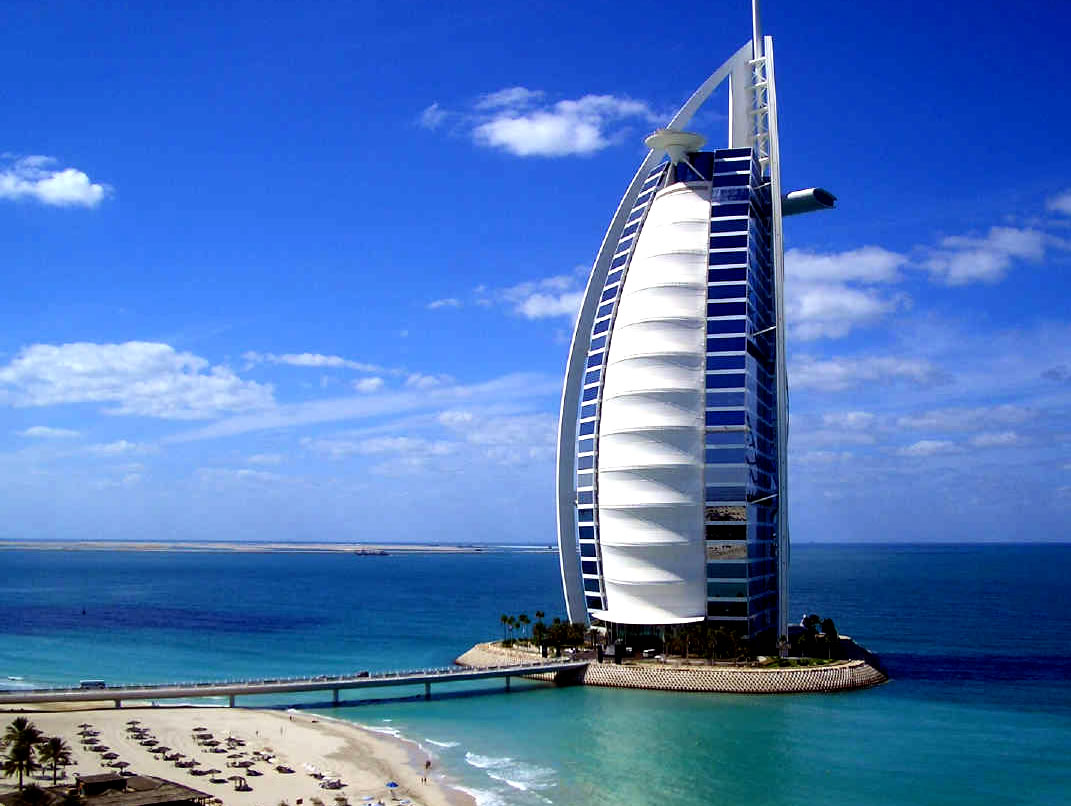 Luxurymania dubai hotel burj al arab for The top hotels in dubai