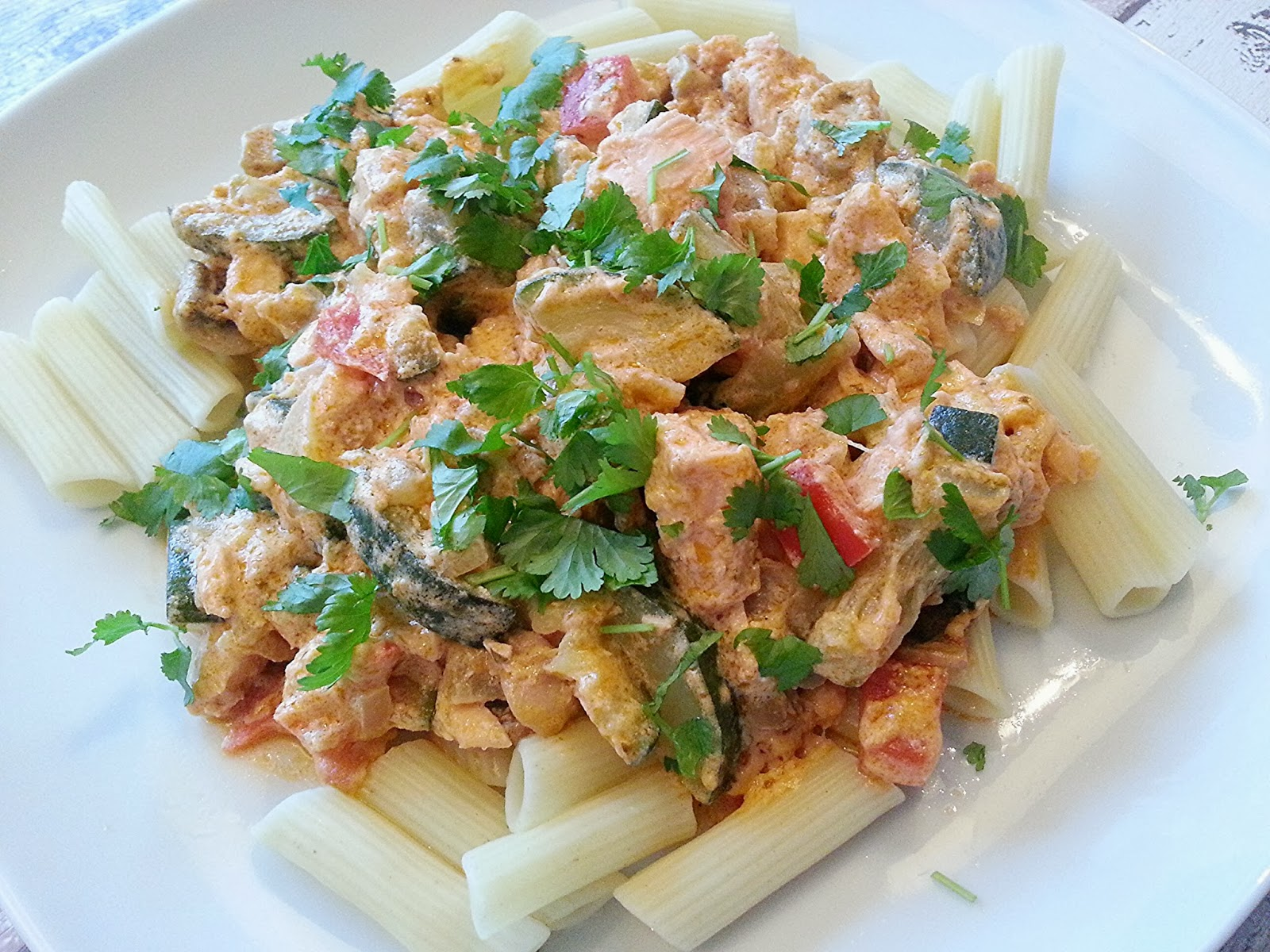 pasta met zalm en pesto