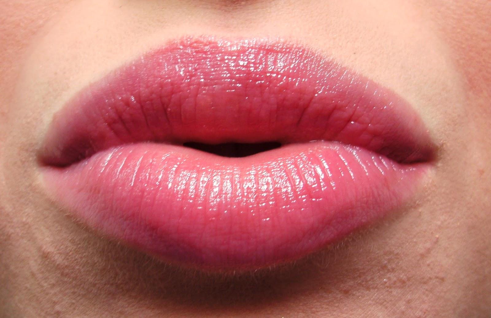 Review I Miners Cherry Tin O' Tint Lip Balm On Lips